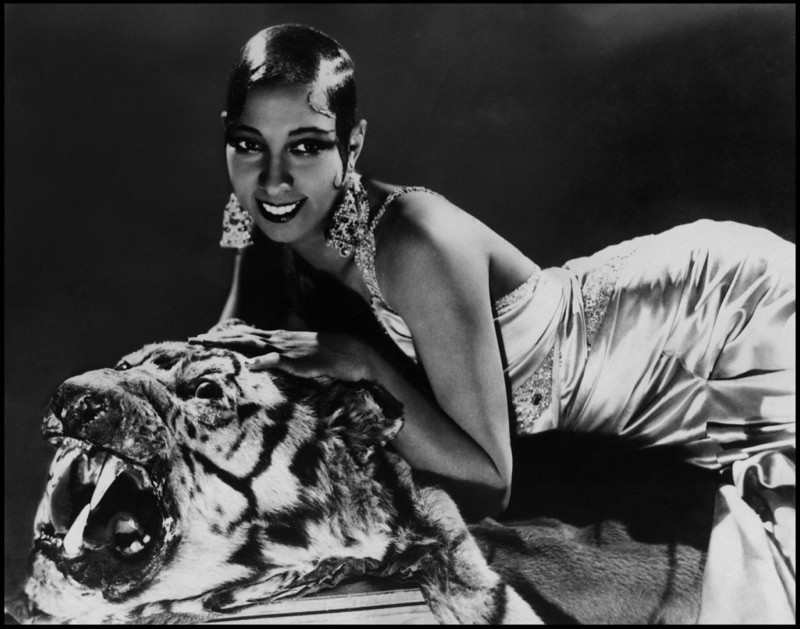 josephine-baker-cheetah-fashion-1920s